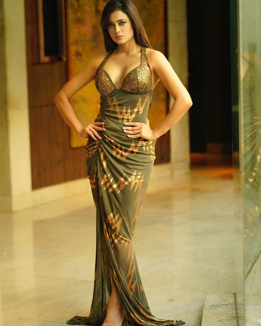 shweta-tiwari-looks-ultra-glamorous