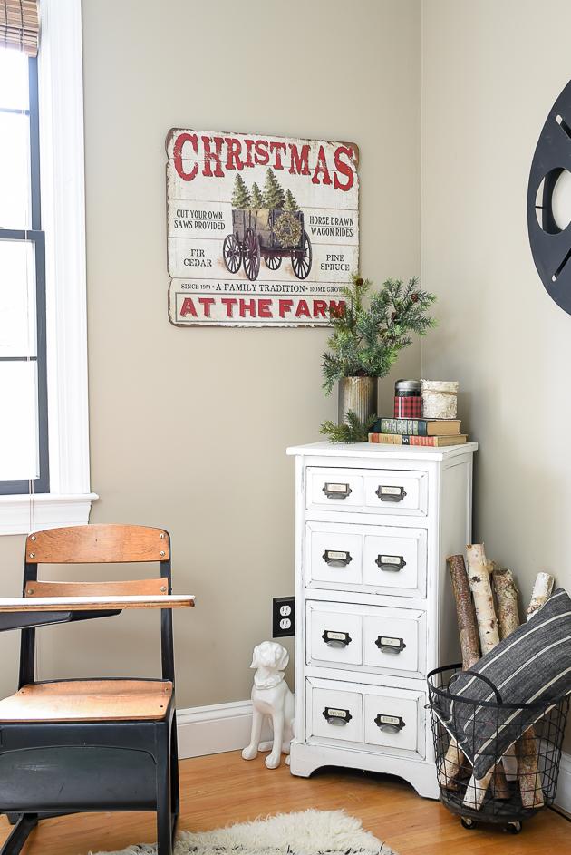 classic Christmas home tour, living room, Christmas, Modern garmhouse