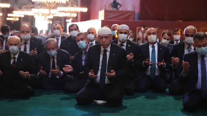Το σόου του Ερντογάν στην Αγιά Σοφιά μπορεί να μόλυνε 3.000 ανθρώπους με κορονοϊό