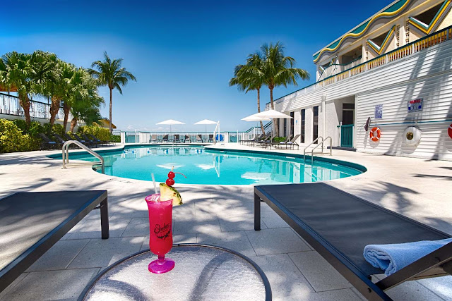 Located on the shores of Biscayne Bay just minutes from Miami Beach, the Best Western on the Bay Inn & Marina in North Bay Village delights Miami visitors.
