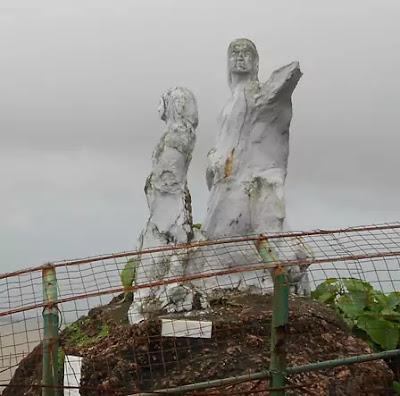 Dona-Paula-Statue, Dona paula,dona paula beach,goa,beach,debolim-goa,karmali,Panjim,water sports in goa,nightlife in goa