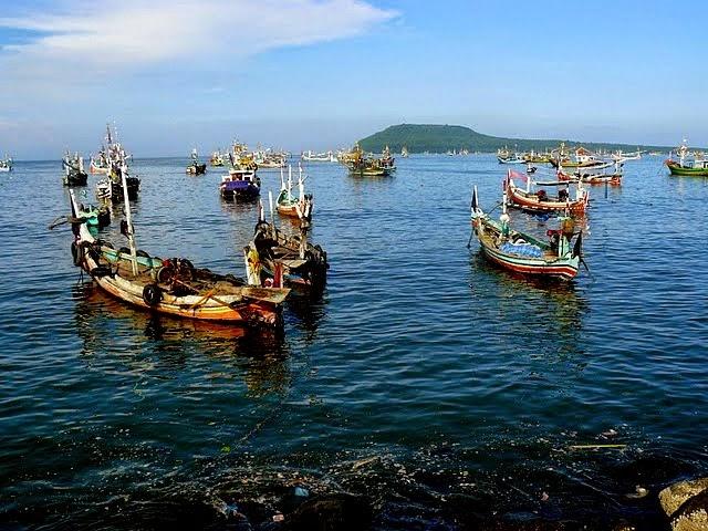 ini pelabuhan ikan muncar banyuwangi