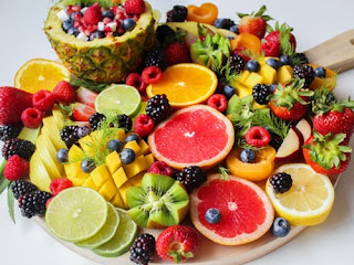 sliced fruit on tray