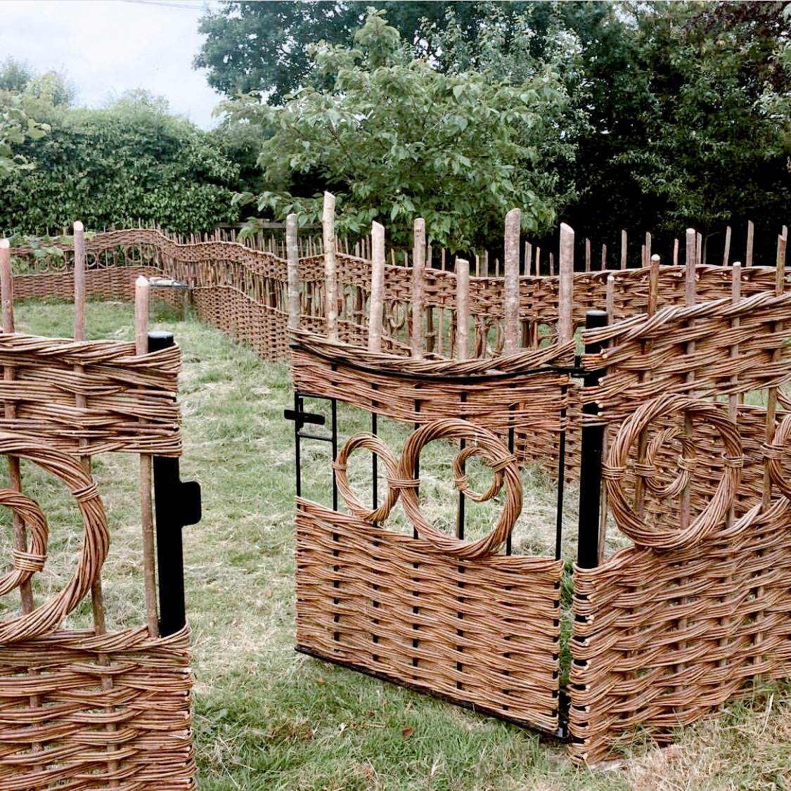 In the Garden | Art: Bespoke Willow by Jay Davey