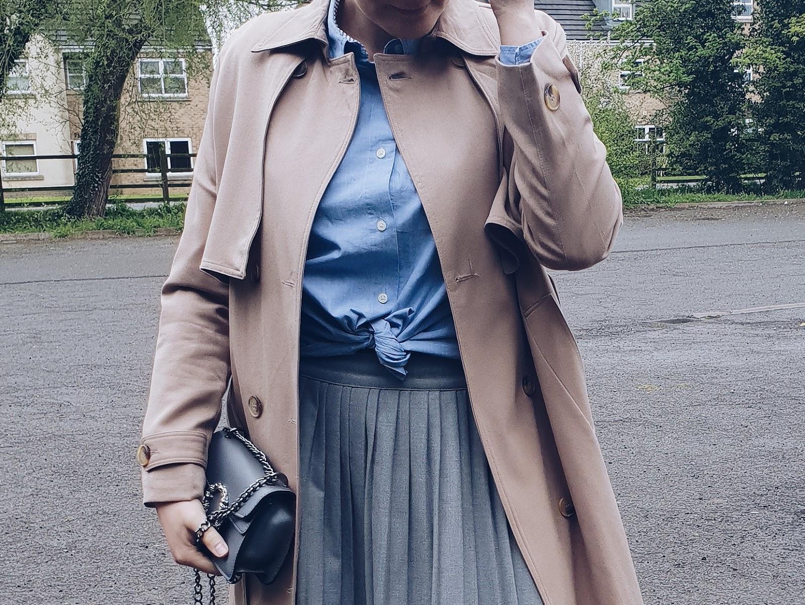 Grey pleated skirt czyli trencz i plisy na wiosnę