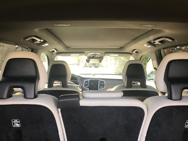 Interior view of 2020 Volvo XC90 T6 R-Design