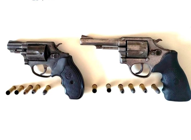 Dupla acusada de atirar em criança e adolescente morre em confronto com a polícia, em Jequié