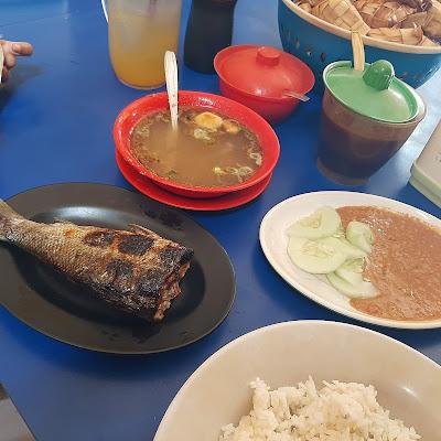 Ikan bakar khas warung pangkep coto makassar