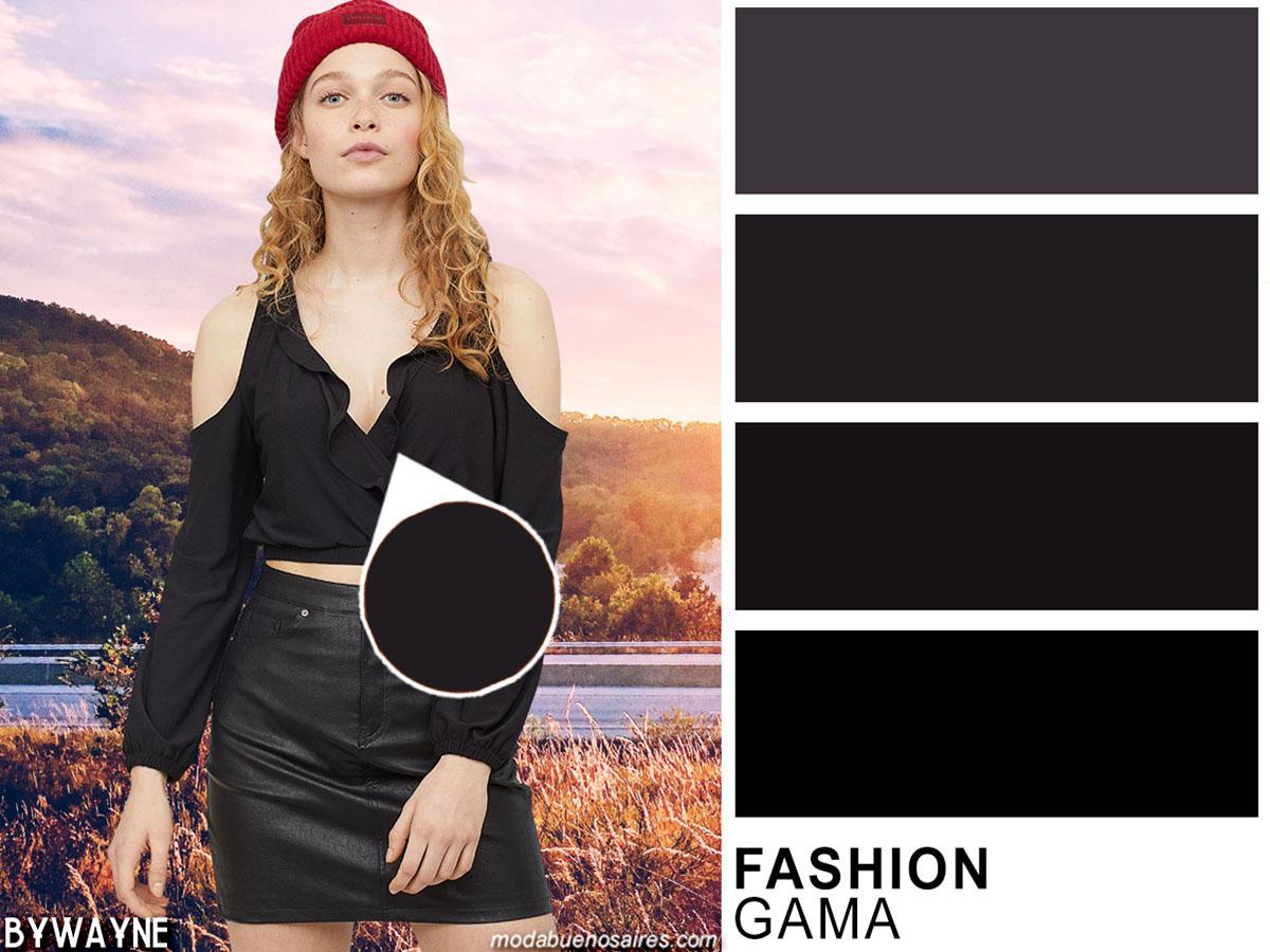 Negro, clásico indiscutido siempre de moda entre los colores de la temporada primavera verano 2020.