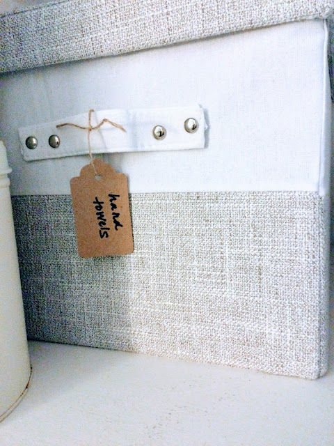 How to organize with decorative boxes