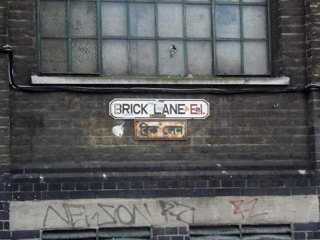 Brick Lane Street Sign http://psychologyfoodandfitness.blogspot.co.uk/2016/08/travel-shoreditch-photo-diary.html