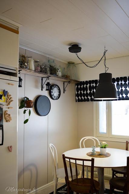 keittiö kitchen musta ikea skandinaavinen koti puustelli