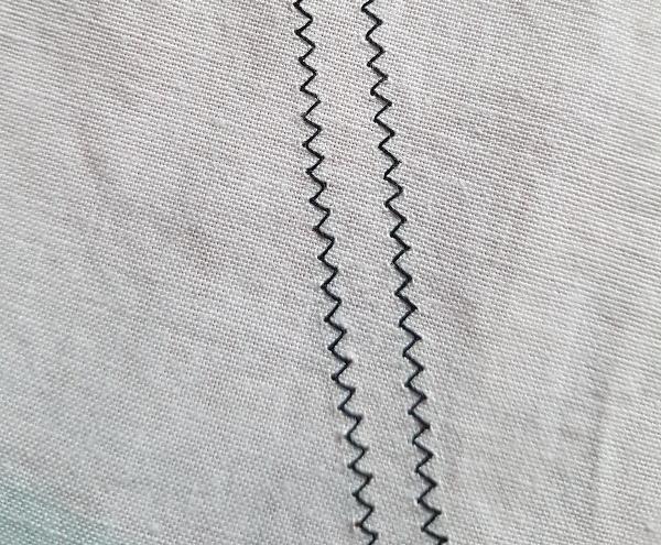Zig zag stitching | DevotedQuilter.com