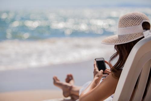 Cómo gestionar las redes sociales de la farmacia en verano