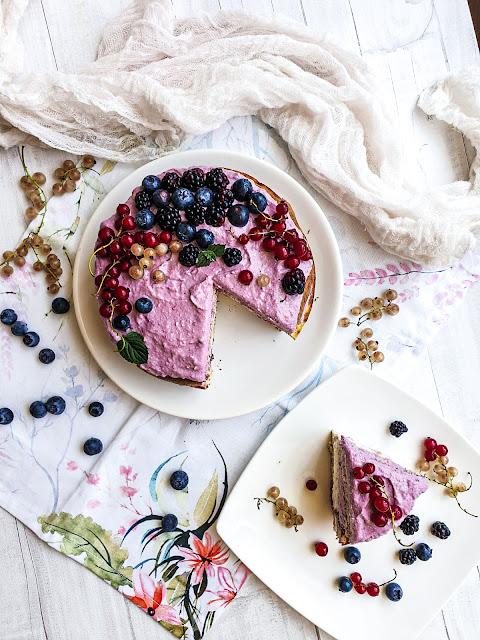 Torcik jeżynowy, deser bez cukru, białej mąki  i bez pieczenia