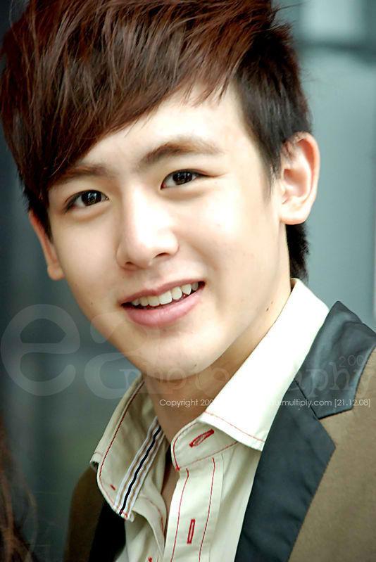K-Pop Cute and Handsome Male Stars: 2PM's Nichkhun Horvejkul