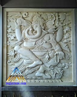 Ukiren Relief batu alam putih/krem dibuat dari batu alam jogja gambar motif gambar Ganesha