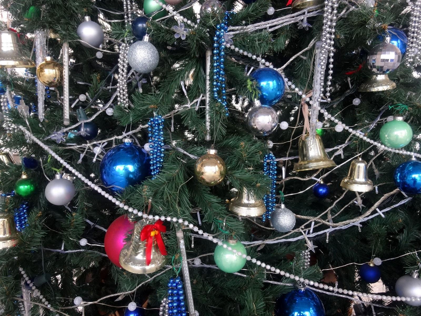 クリスマスツリー装飾〈著作権フリー画像〉Free Stock Photos