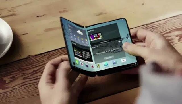سامسونغ تستعرض ميزات هاتفها الجديد القابل للطي.فيديو