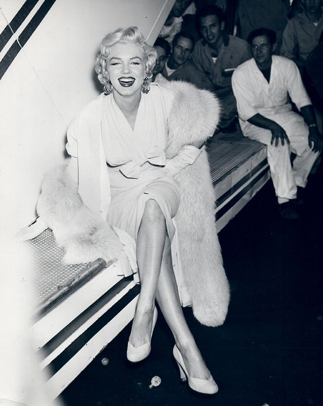 Simple Rare Black and White Photos Captured Lovely Moments of Marilyn Monroe That You Probably Have Never Seen Before