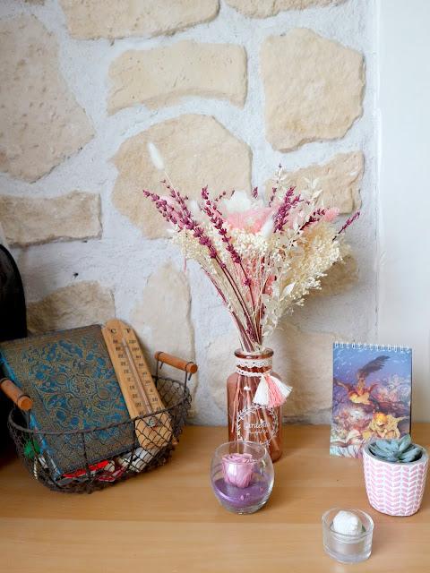 Pour décorer votre intérieur, quoi de mieux qu'un beau bouqet de fleurs séchées ?