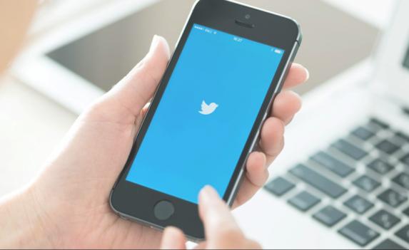 يمكنك الآن إنشاء تغريدة تحتوي على 140 رمزًا تعبيريًا