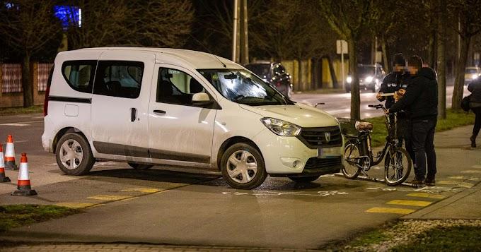Autó és kerékpár ütközött Csabán, a Corvin utcán