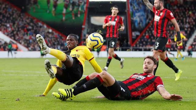 Video Bournemouth 0-3 Watford: 3 đòn chí mạng, thoát nhóm xuống hạng