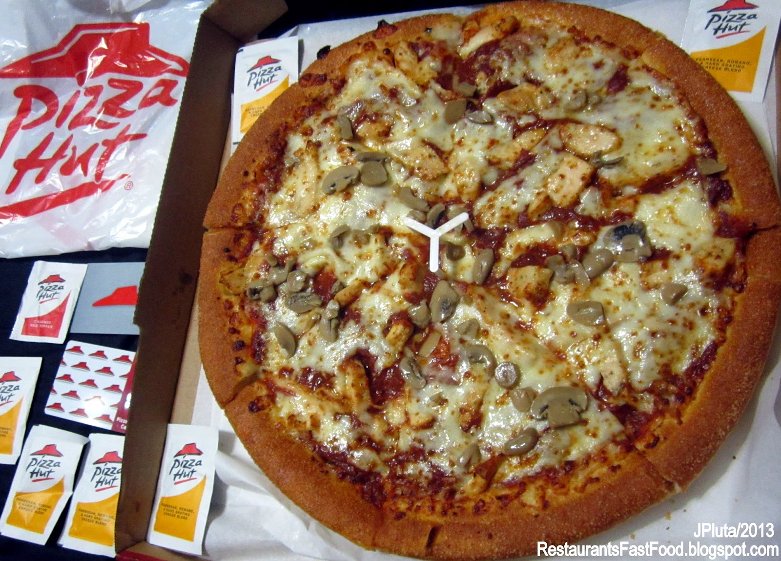 Pizza Hut Large En Parmesan Romano Cheese Packs Restaurant Delivery Take Out Mushroom Pie