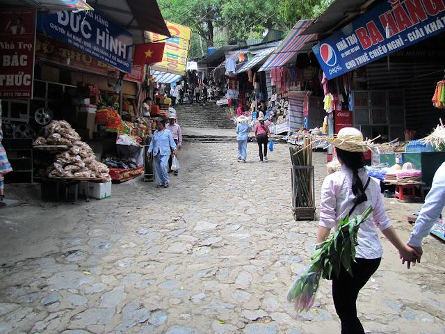main walkway perfume pagoda vietnam