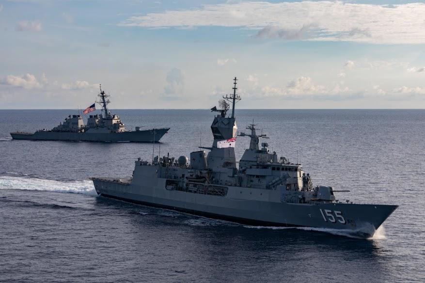Ρωσία: Αντιτορπιλικό «έδιωξε» αμερικανικό πολεμικό από τα ρωσικά χωρικά ύδατα