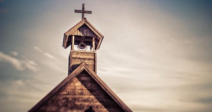 Biserică cu turlă - imagine preluată de pe www.redletterchristians.org