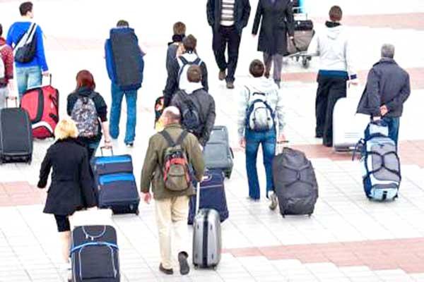 Μετανάστευσαν 450.000 Ελληνες από το 2008