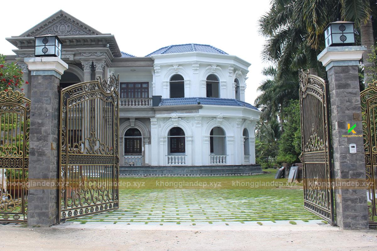 Mẫu thiết kế cổng biệt thự sân vườn