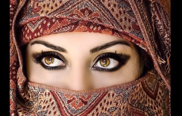 Secrets cosm tiques pour avoir des beaux yeux brillants et for Astuce maison pour avoir un beau visage