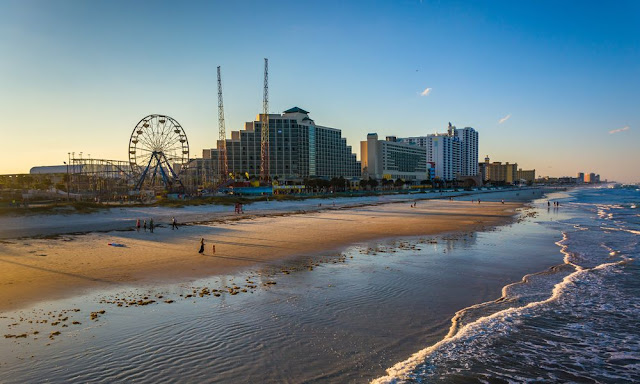 Travelhoteltours has amazing deals on Daytona Beach Vacation Packages. Save up to $583 when you book a flight and hotel together for Daytona Beach. Extra cash during your Daytona Beach stay means more fun! The ocean-front home of NASCAR is where to catch a ground-shaking race before cooling off in the surf.