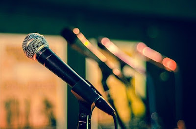 Pengertian, Tujuan, Fungsi Pidato dan Contoh Materi Pidato