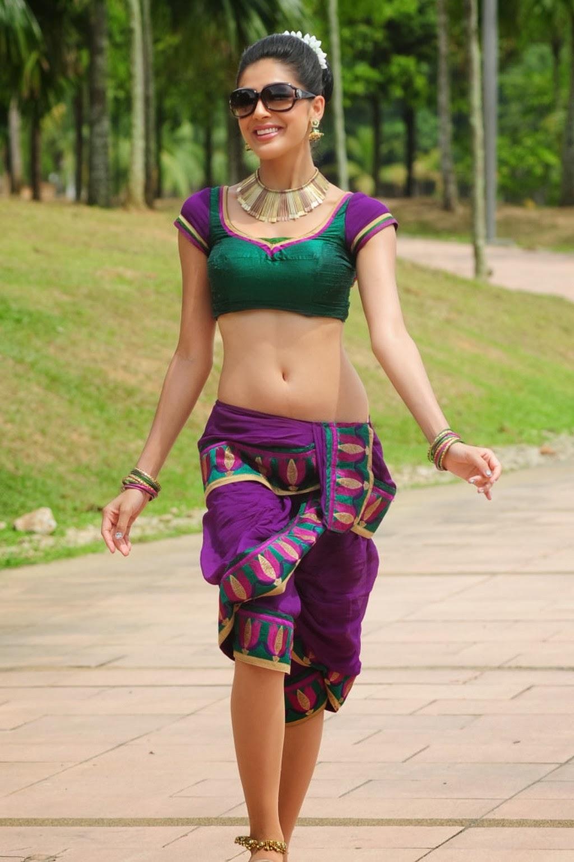 Malayalam Actress Parvathi Melton Hot Navel Hd Photos