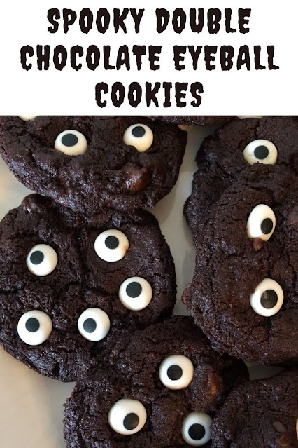 Eyeball candies on top of chocolate cookies.