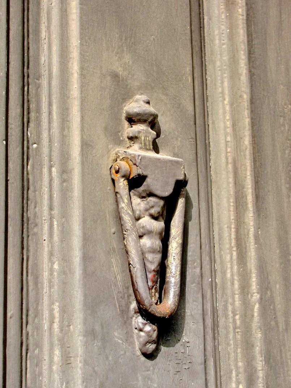 Lady door-post
