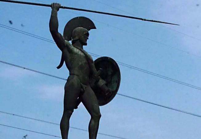 Σκύλιασαν οι εχθροί του Ελληνισμού! Βεβήλωσαν ανήμερα της 28ης Οκτωβρίου το άγαλμα του Λεωνίδα στις Θερμοπύλες (ΒΙΝΤΕΟ)