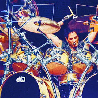 DEEN Castronovo Plays the drums