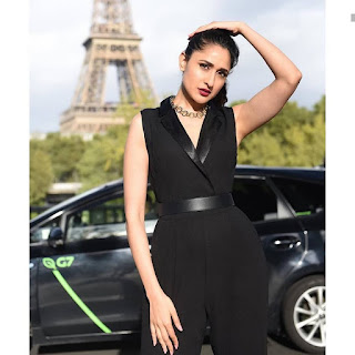 Pragya jaiswal looking stunning in black in front of eiffel tower