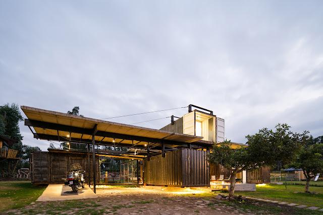 Casa RDP - Shipping Container Industrial Style House, Ecuador 4