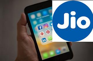 रिलायंस जियो ने 17 अप्रैल तक लॉकडाउन - 100 मिनट कॉलिंग और 100 एसएमएस मुफ्त देने की घोषणा की