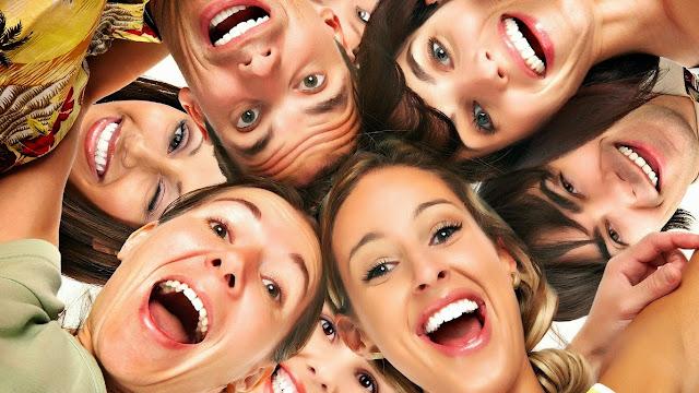 Efek Samping Tertawa Berlebihan Dapat Menyebabkan Kematian