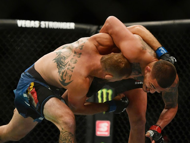 Anthony Pettis grapples Donald Cerone UFC 249
