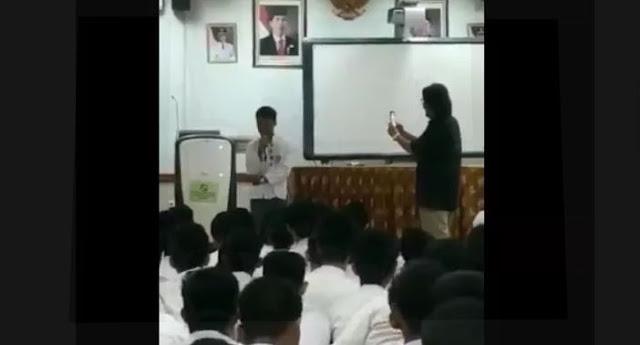 Viral di twitter Video Siswa SMA Tirukan Suara Jokowi