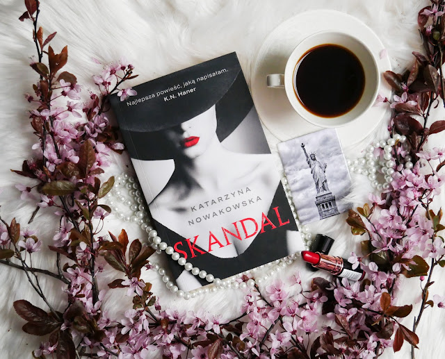 Premierowa powieść poolskiej pisarki królowej dramatu, która ma na swoim koncie bestsellery takie jak Złe miejsce, czy Rong Girl