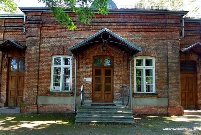 Warszawa Warsaw Jazdów Szpital Ujazdowski Główna Biblioteka Lekarska czerwona cegła
